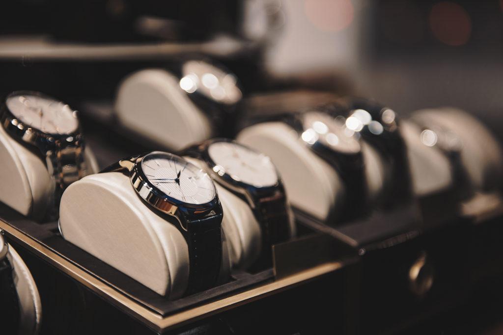時計販売の画像