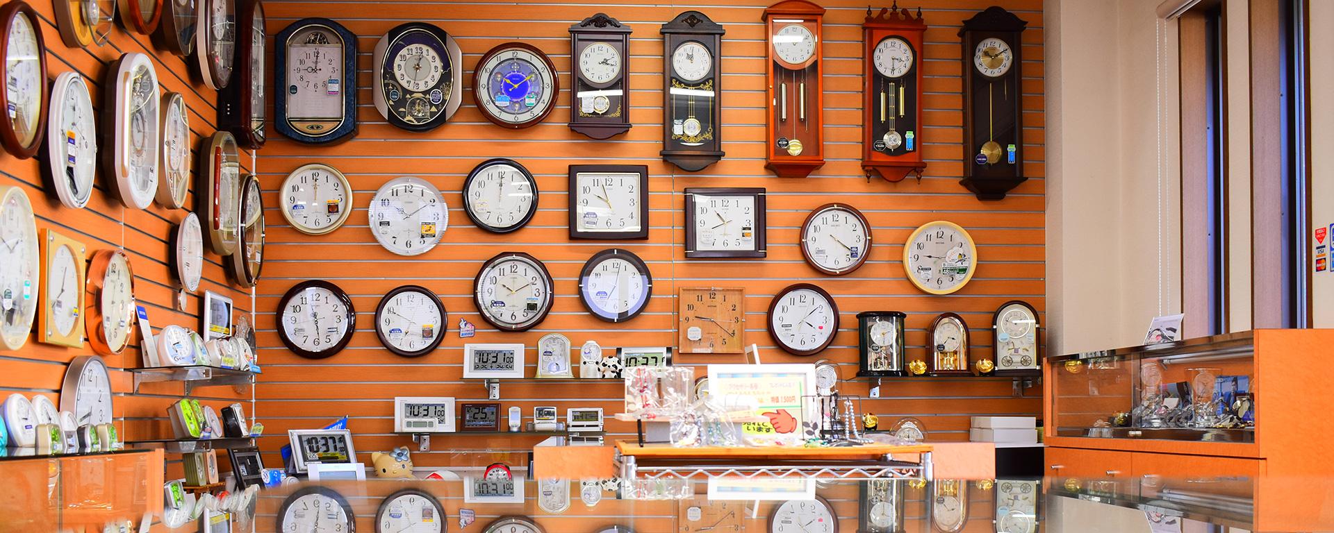茂木時計店の店内